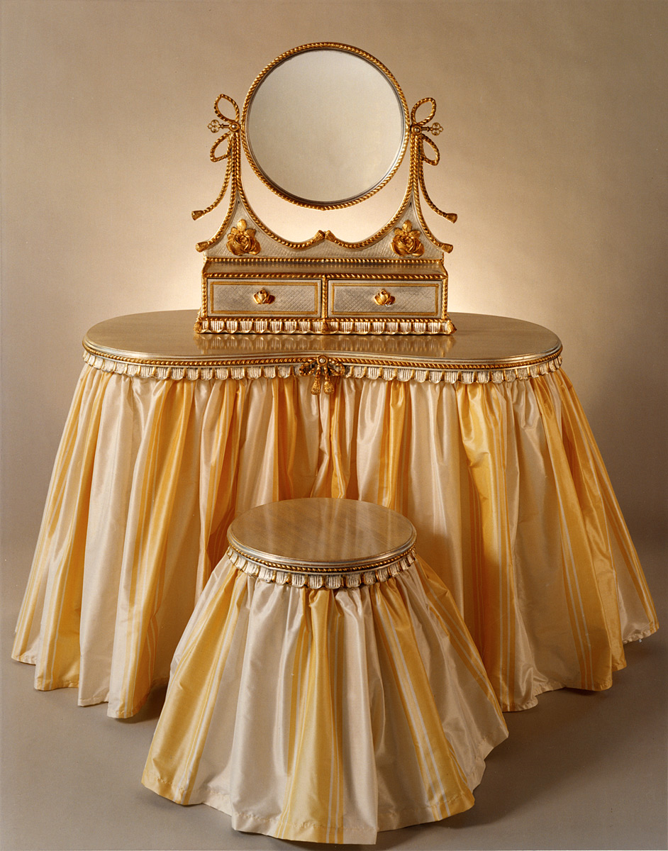 Flounced Vanity With Clear Glass Top Carvers 39 Guild